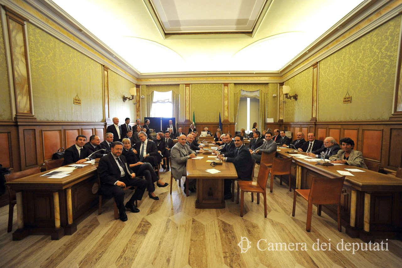 Xvi legislatura comunicazione la camera for Web tv camera deputati