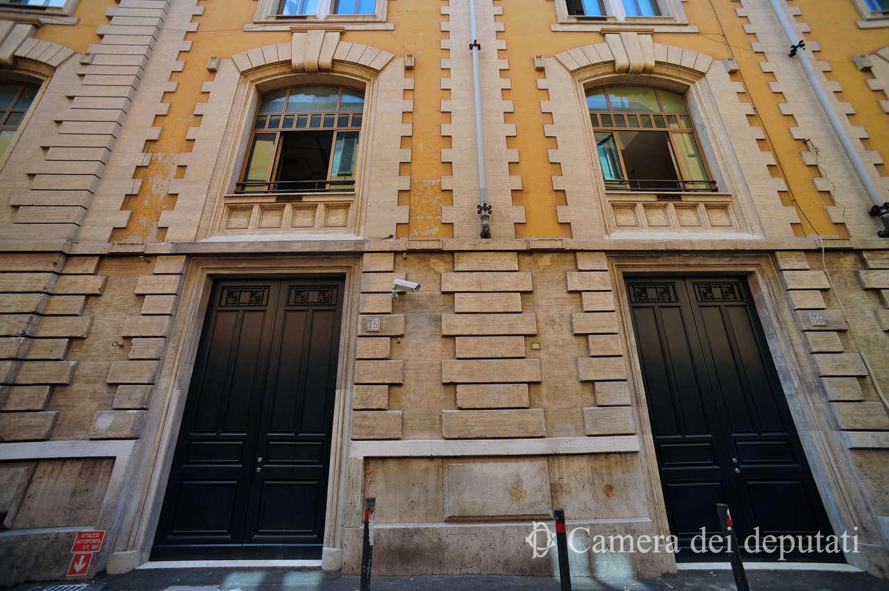 Xvi legislatura comunicazione la camera for Diretta camera deputati